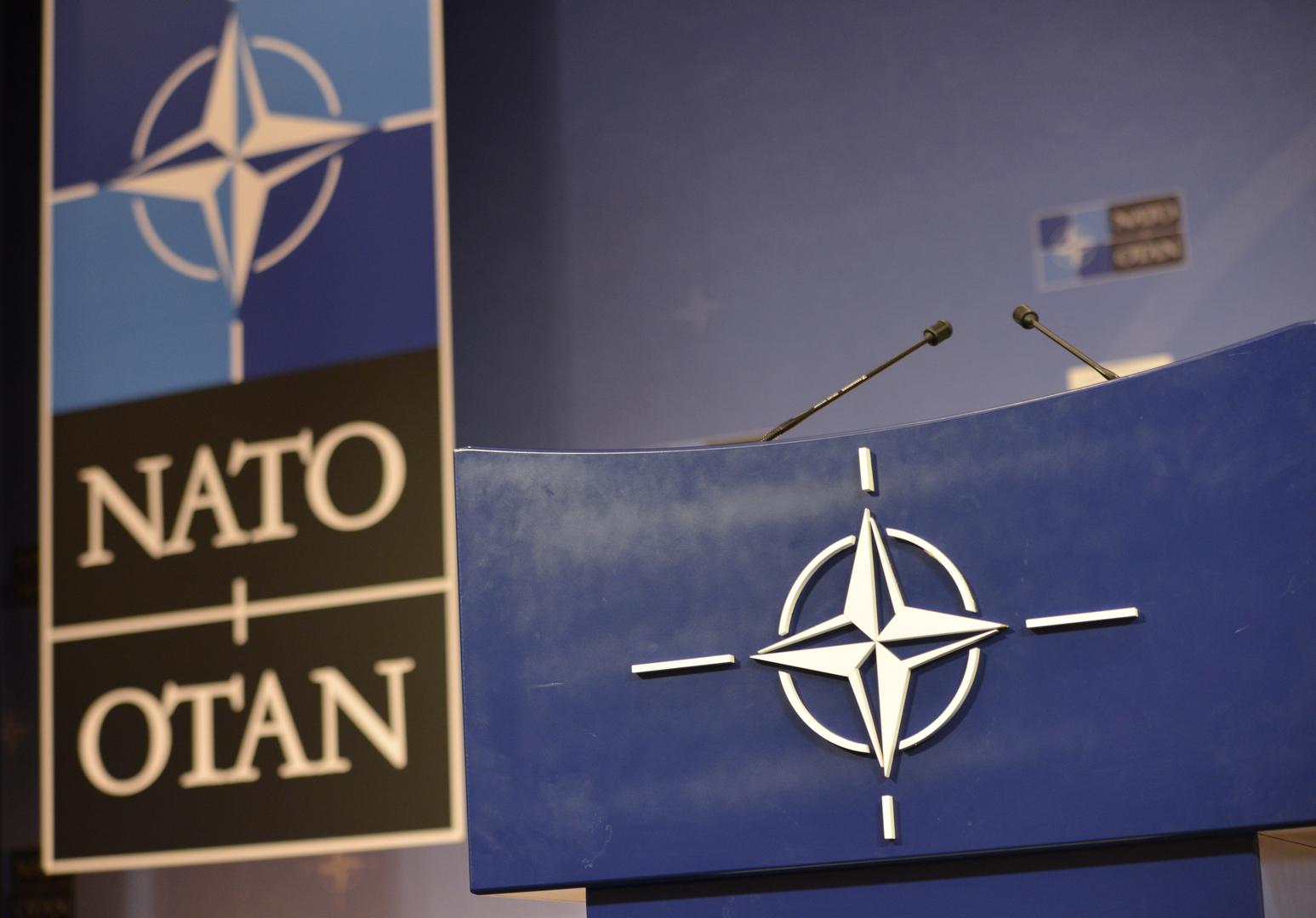 الناتو ينفي ما ورد في تصريح لافروف حول غياب الاتصالات العسكرية بين الحلف وروسيا