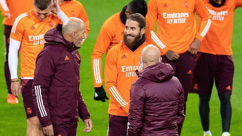 زيدان يعلق على إصابة راموس.. وتفاوض برشلونة مع