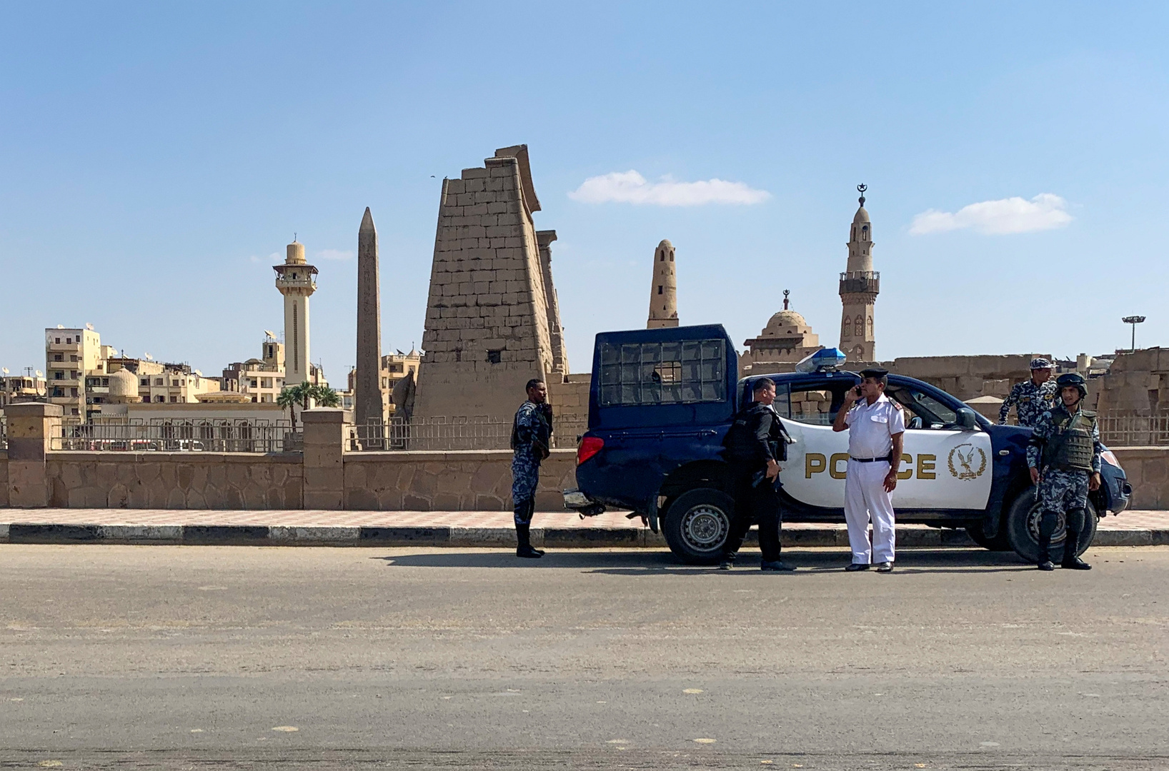 Egypten .. Sikkerhedsstyrker arresterede en person, der torturerede en hund ihjel