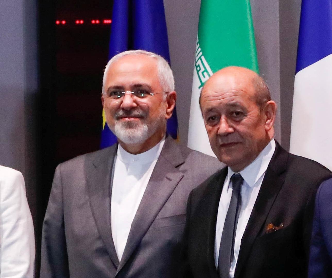 وزيرا الخارجية الفرنسي، جان إيف لودريان، والإيراني، محمد جواد ظريف.