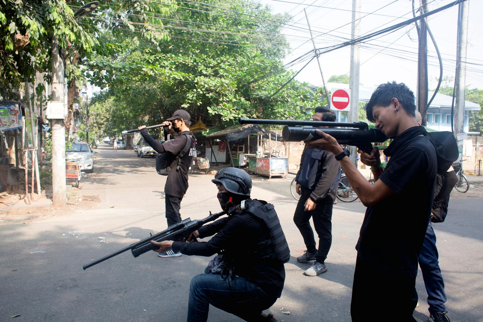 ميانمار.. مقتل 6 رجال شرطة في هجوم متظاهرين على مركز أمني