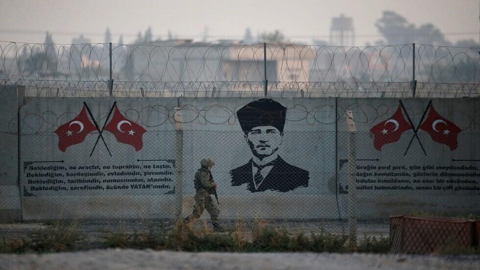 السلطات التركية تضبط 5 سوريين أثناء محاولتهم التسلل إلى تركيا