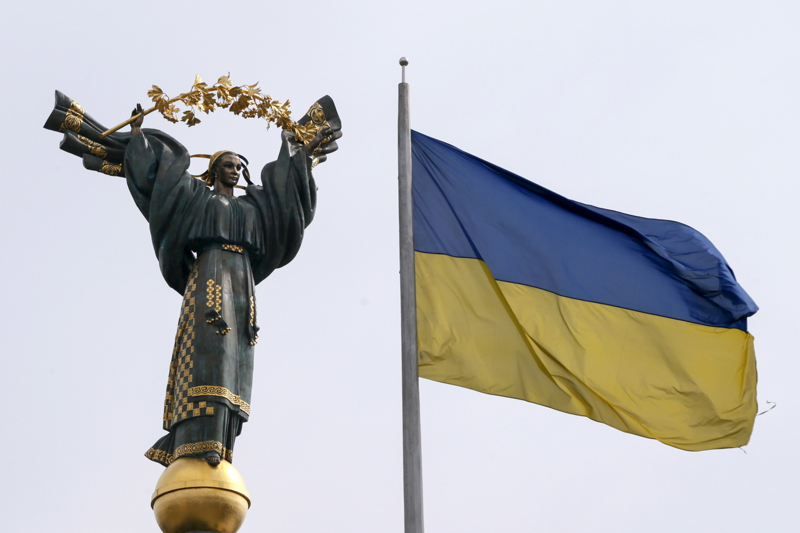 أوكرانيا تفرض عقوبات على شركات في روسيا والإمارات ودول أخرى