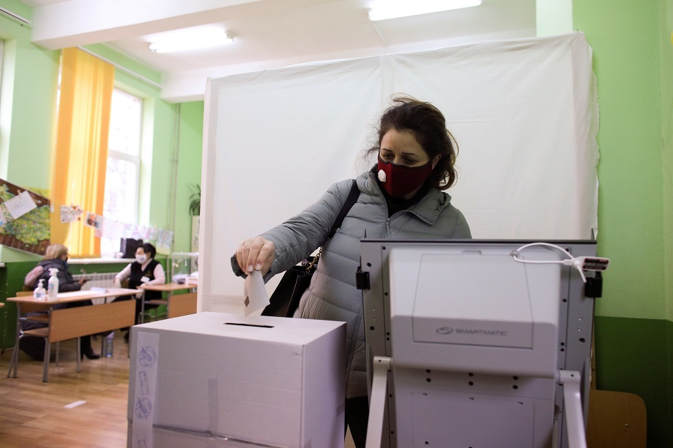 استطلاعات رأي: الحزب الحاكم في بلغاريا يتجه نحو الفوز في الانتخابات البرلمانية