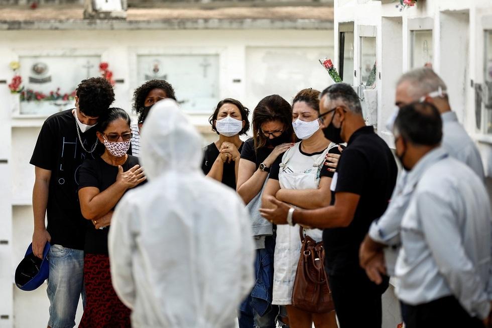 البرازيل تسجل 1240 وفاة جديدة بفيروس كورونا