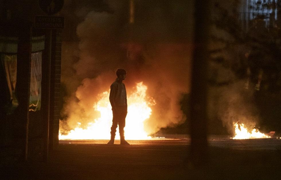 إيرلندا الشمالية تشهد اضطرابات لليلة الثالثة على التوالي (فيديو)