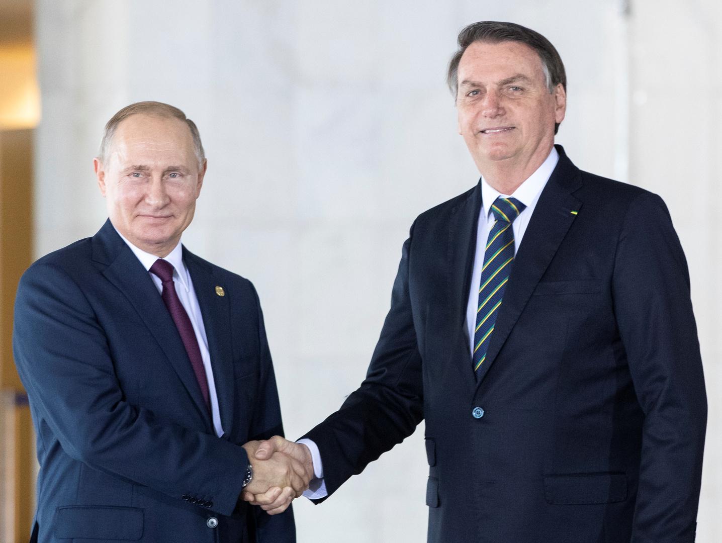 وسائل إعلام: بولسونارو ينوي إجراء اتصال مع بوتين حول استخدام لقاح