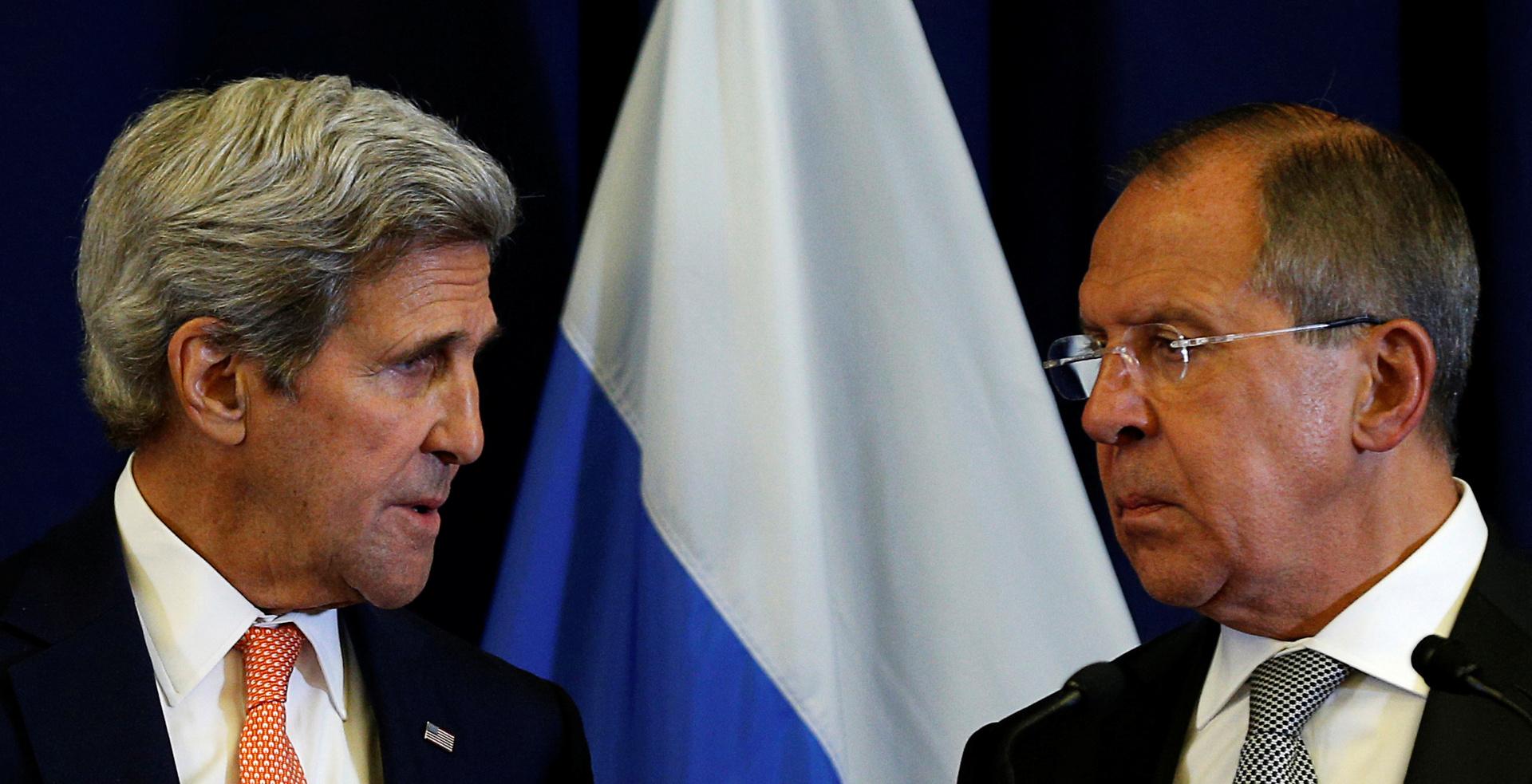 وزير الخارجية الروسي سيرغي لافروف والمبعوث الأمريكي لشؤون المناخ جون كيري - أرشيف