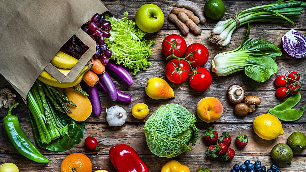 خمسة أطعمة يقلل تناولها من احتمالات الإصابة بسرطان القولون