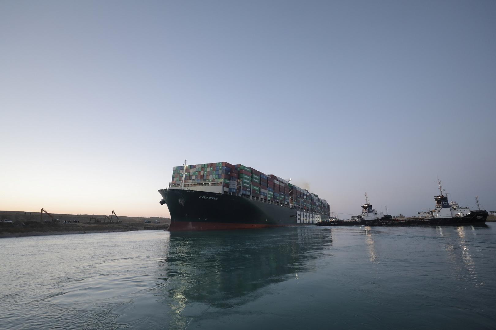 رئيس هيئة قناة السويس يكشف عن مفاوضات حول تعويضات عن حادث جنوح السفينة الضخمة