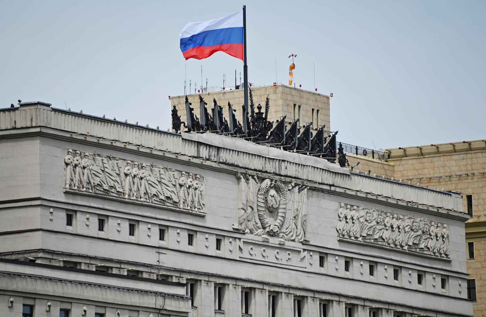 نائب وزير دفاع روسيا يبحث مع رئيس الحشد الشعبي العراقي التعاون العسكري-التقني