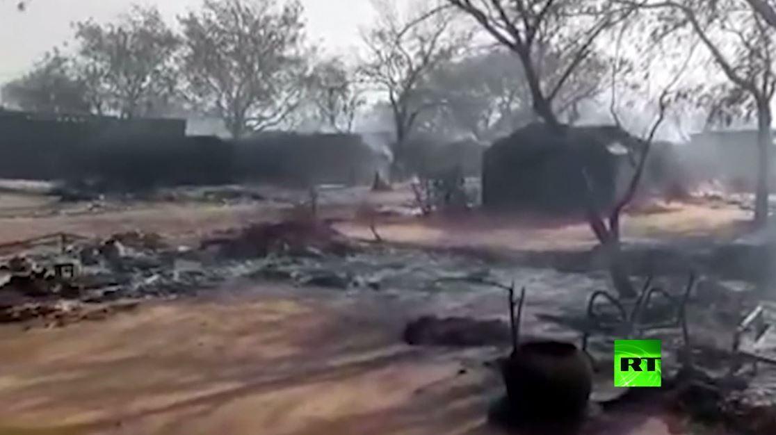 مشاهد من مخيم أبو ذر في السودان بعد حرقه جراء اشتباكات قبلية في دارفور