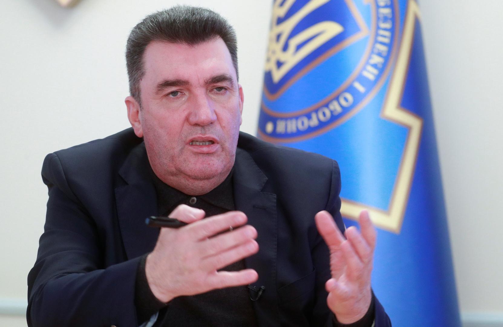 بلينكن يتفق مع الناتو على ضرورة إنهاء الحشد العسكري الروسي على حدود أوكرانيا
