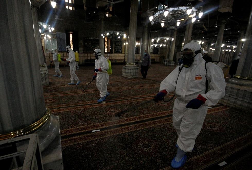 مصر تسجل 37 وفاة ونحو 800 إصابة جديدة بكورونا