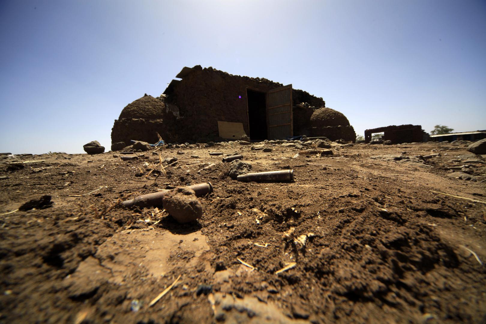 حصيلة ضحايا اشتباكات غرب دارفور تتجاوز 130 قتيلا والسلطات تعلن تورط مسلحين من بلد مجاور