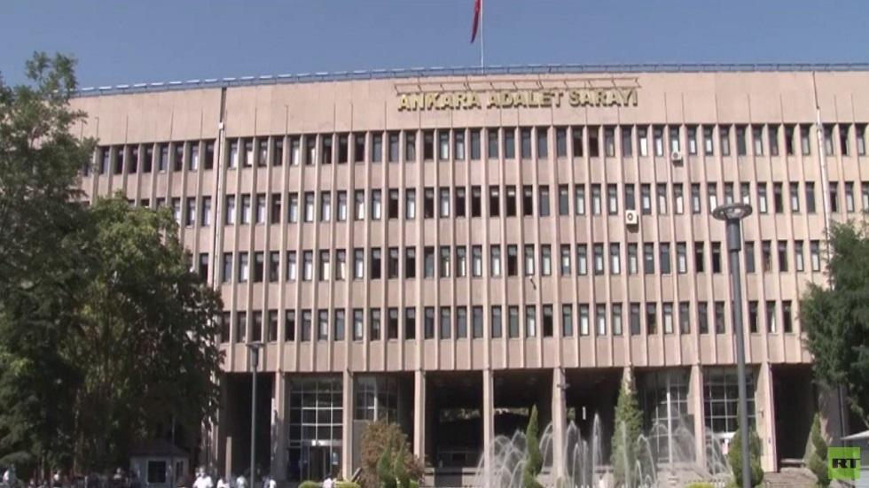 تمديد حبس الضباط المتقاعدين في تركيا