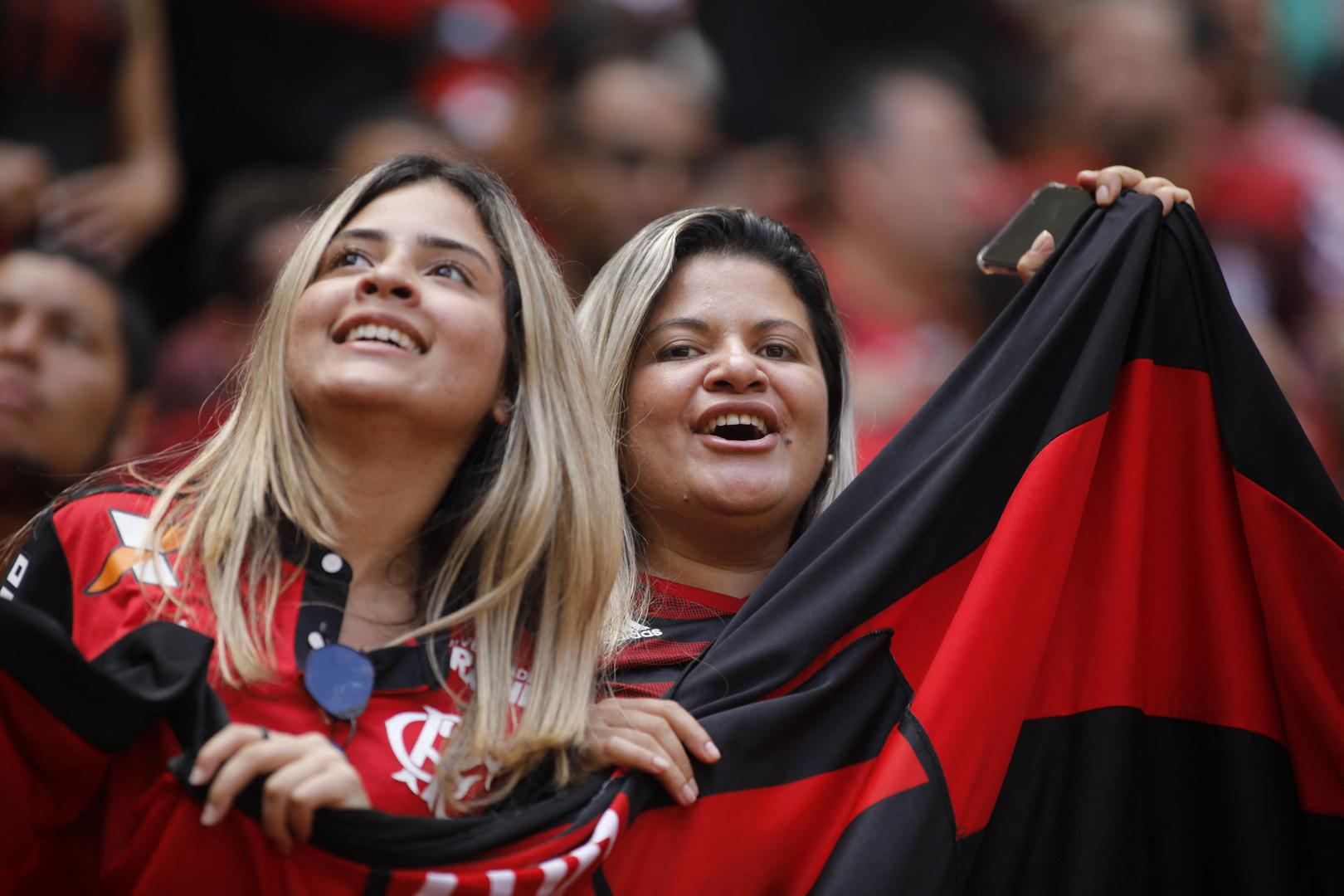 ناد برازيلي يخطط لشراء تطعيم فيروس كورونا للاعبيه وجماهيره