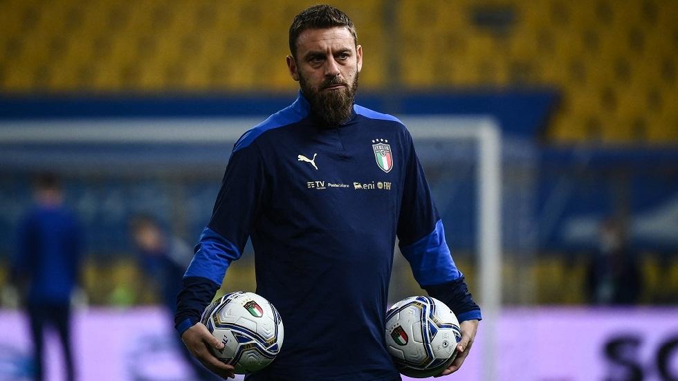 بعد تفشي كورونا في المنتخب الإيطالي.. دي روسي يدخل المشفى لإصابته بالفيروس
