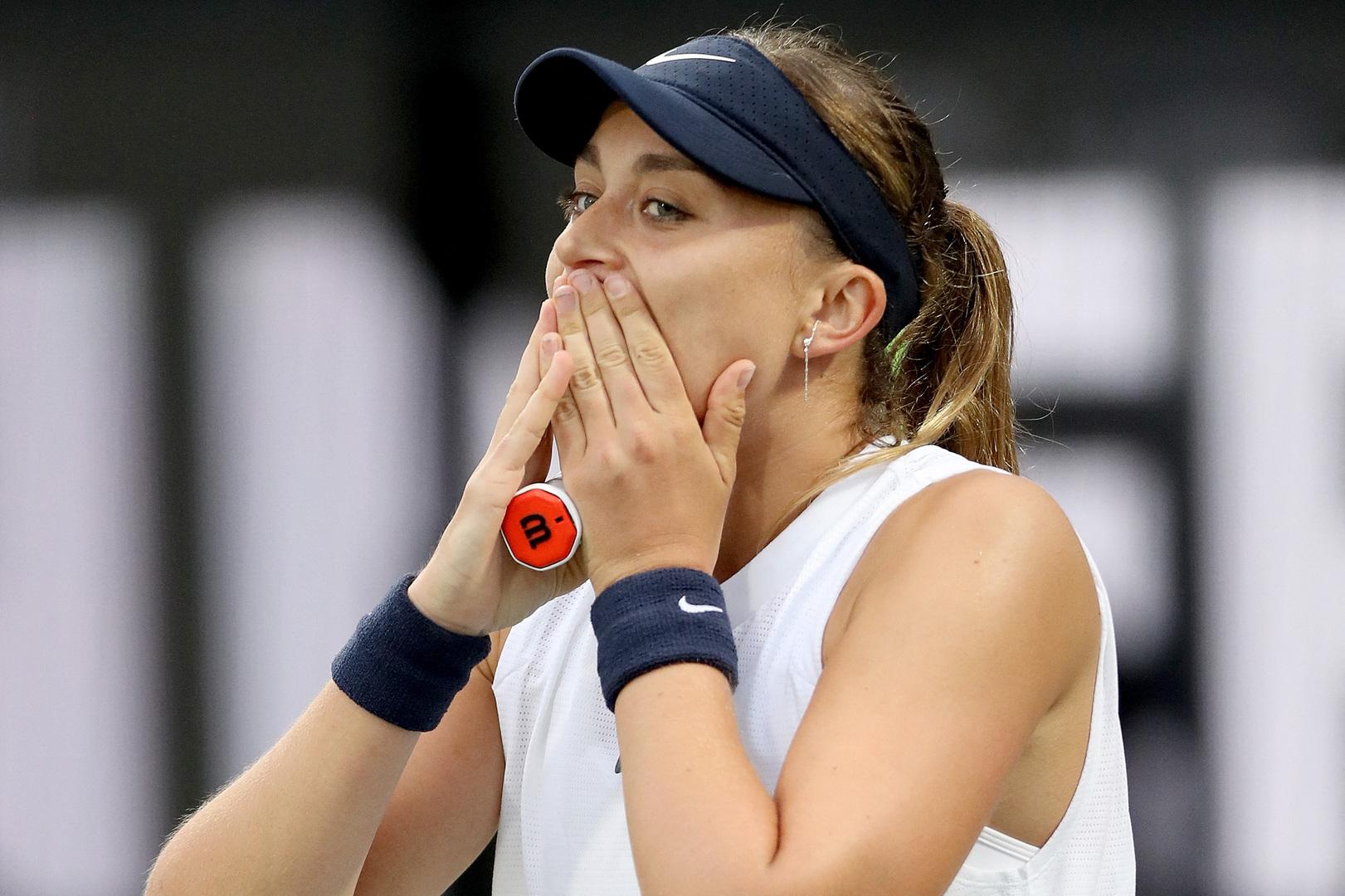 لاعبة تنس مغمورة تحقق مفاجأة دورة تشارلستون الأمريكية للتنس (فيديو)
