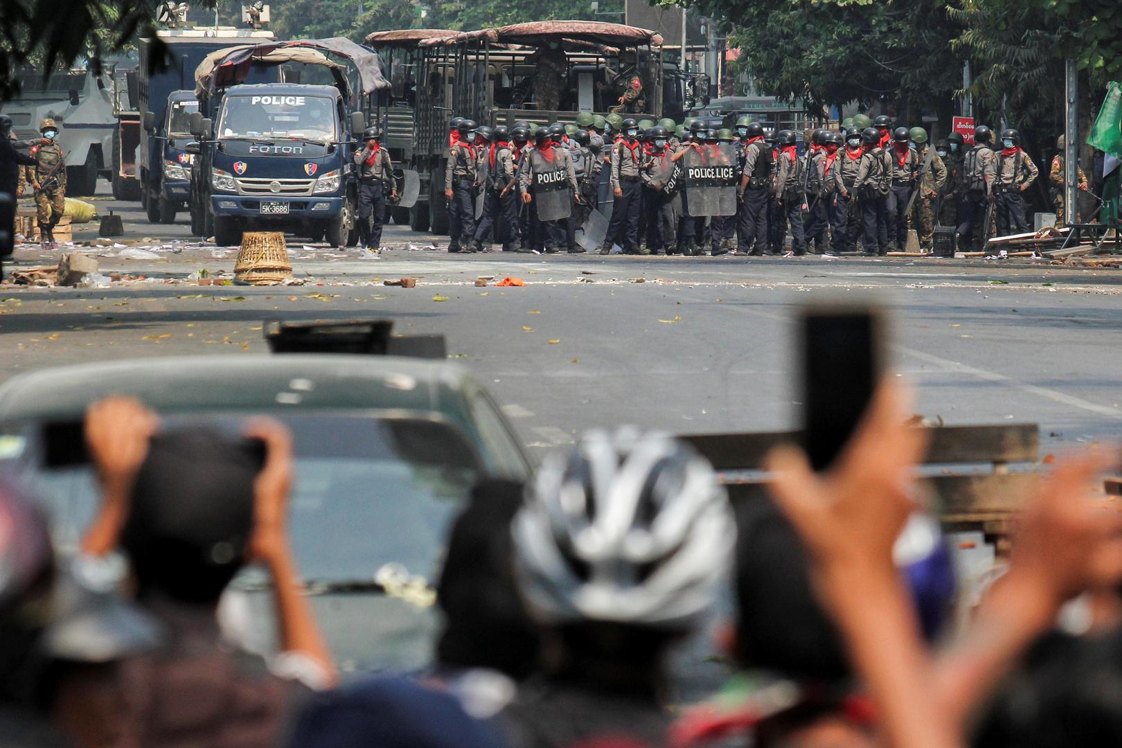 تقارير: قوات الأمن تقتل عشرات المحتجين جنوب ميانمار