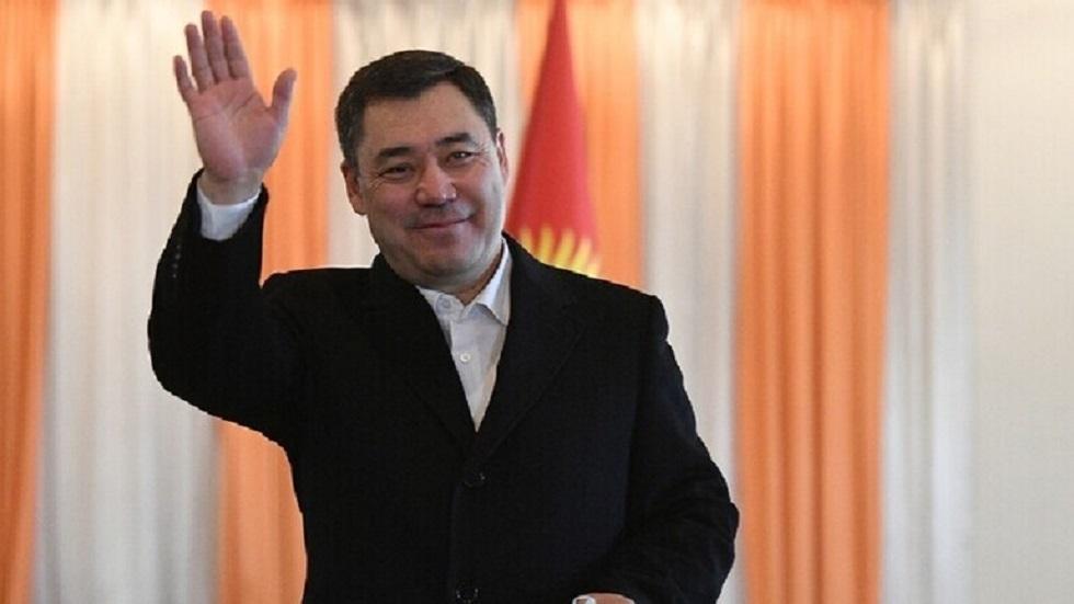 قرغيزستان تصوت على دستور يعزز سلطات الرئيس