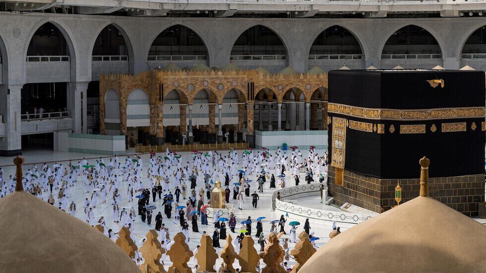 السعودية تعلن آلية الحصول علي تصريح بالعمرة في رمضان وشروطها