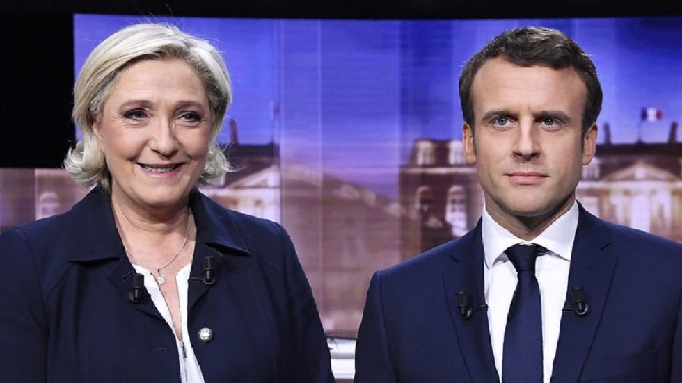 الرئيس الفرنسي الليبرالي إيمانويل ماكرون، وزعيمة اليمين المتشدد مارين لوبان