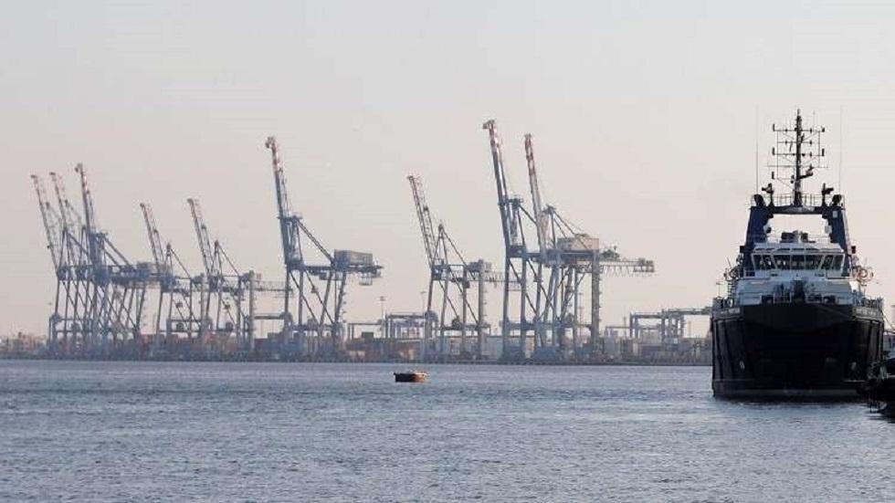فتح مدخل مينائي الإسكندرية والدخيلة أمام حركة الملاحة البحرية