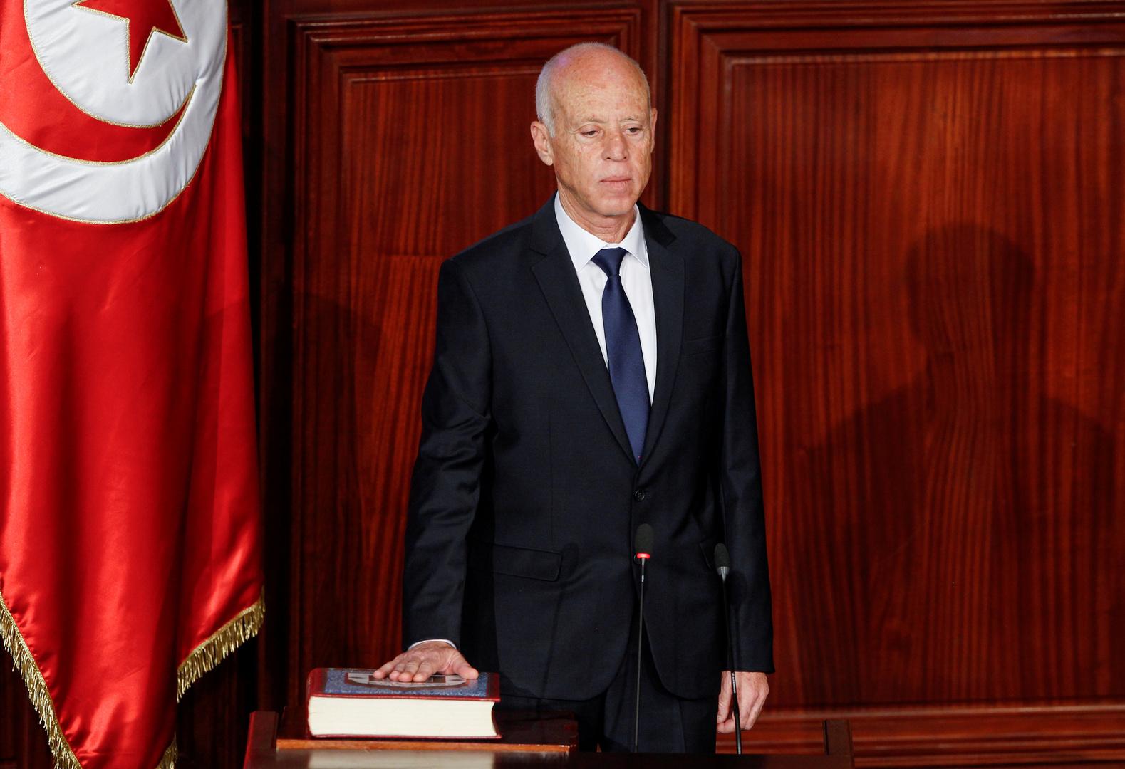بالصور.. الرئيس التونسي يزور بقايا خط بارليف قبل مغادرته مصر