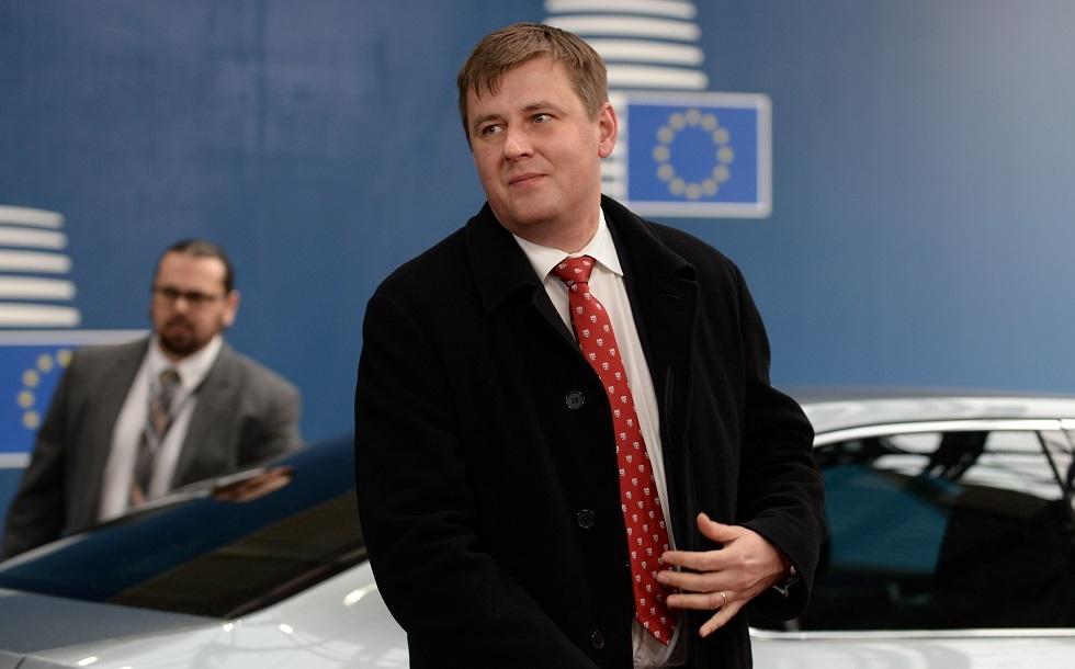 وزير خارجية التشيك يتنحى عن منصبه