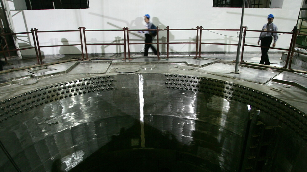 وكالة: إصابة المتحدث باسم منظمة الطاقة الذرية ناجمة عن سقوطه من ارتفاع 7 أمتار في مفاعل نطنز