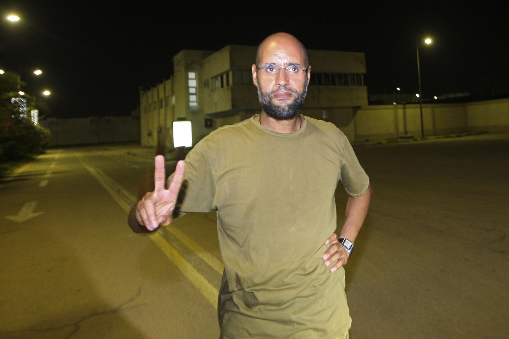 ابن عم الزعيم الليبي الراحل: سيف الإسلام سيفوز بأغلبية ساحقة إذا نظمت انتخابات