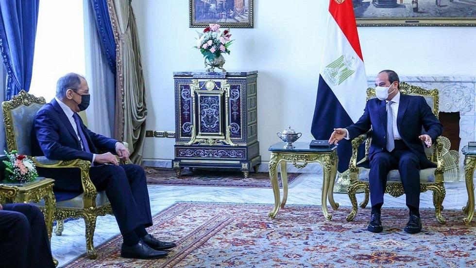 في مستهل زيارته إلى مصر.. لافروف يجتمع مع السيسي