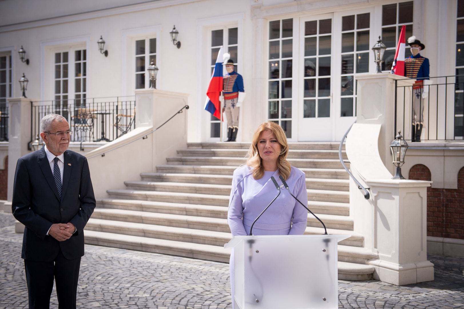 رئيسة سلوفاكيا زوزانا تشابوتوفا