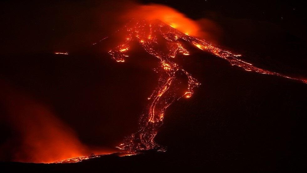 علماء يكشفون النقاب عن ارتباط الانفجارات البركانية بزيادة في أمراض الجهاز التنفسي