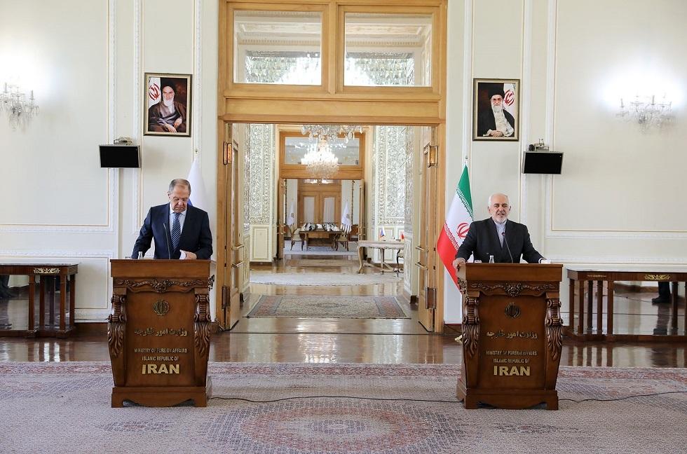 وزير الخارجية الإيراني محمد جواد ظريف ووزير الخارجية الروسي سيرغي لافروف