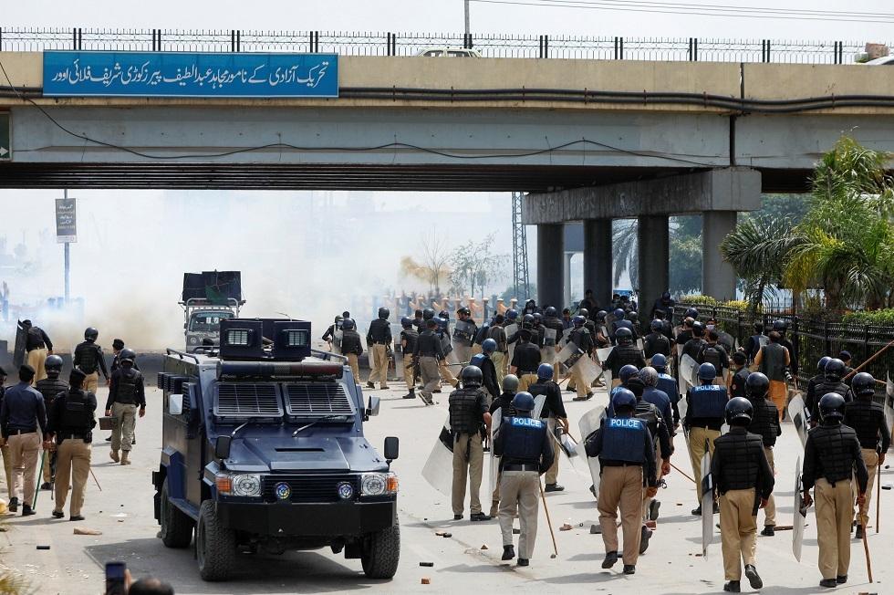 باكستان تستدعي القوات شبه النظامية بعد احتجاجات دامية للمتشددين الإسلاميين