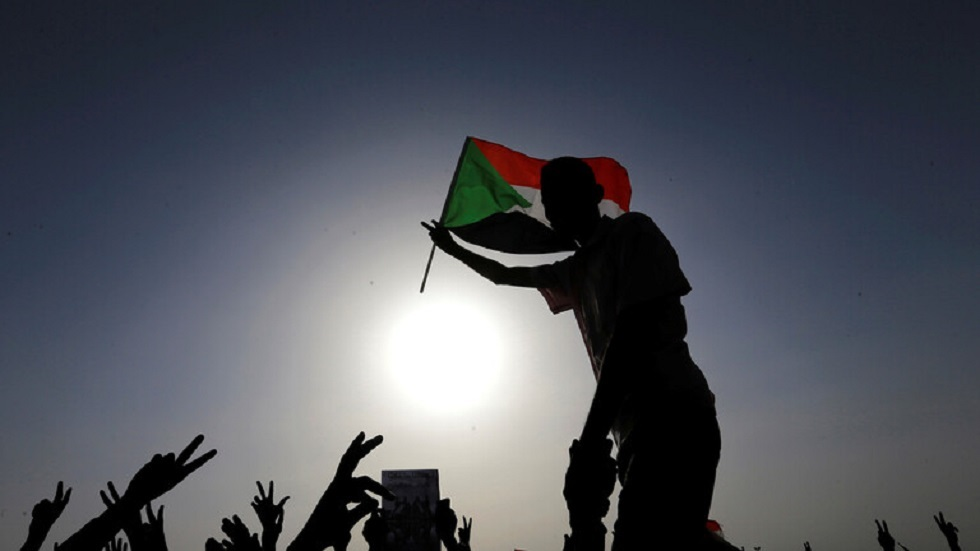 مصدران: السودان يرسل أول وفد رسمي إلى إسرائيل الأسبوع المقبل
