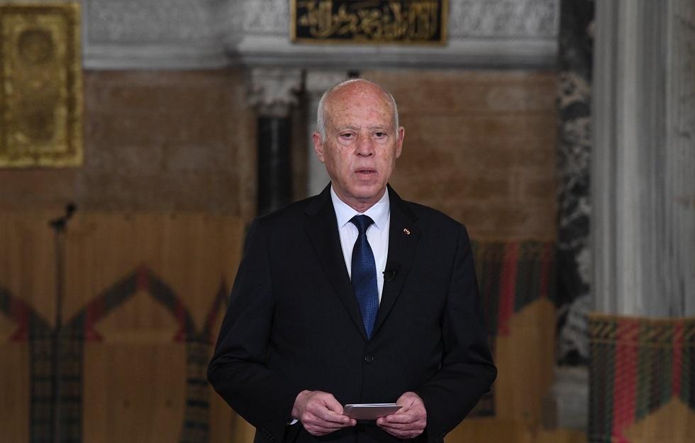 من جامع الزيتونة.. الرئيس التونسي يهاجم