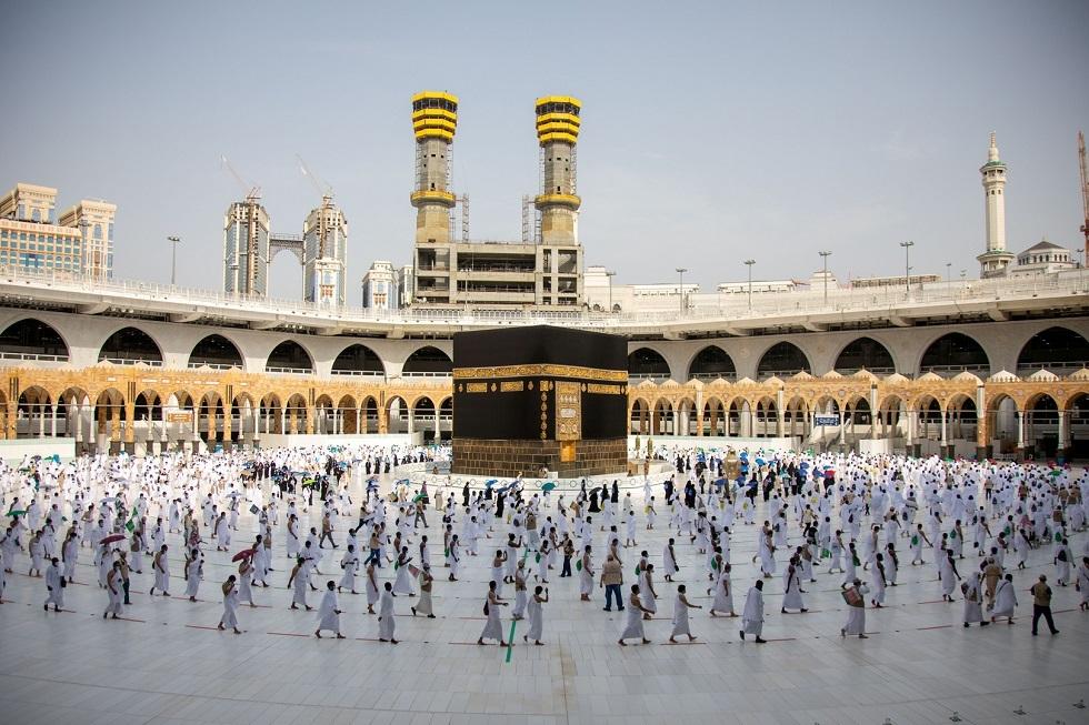 السعودية: أداء العمرة متاح للراغبين من داخل وخارج البلاد