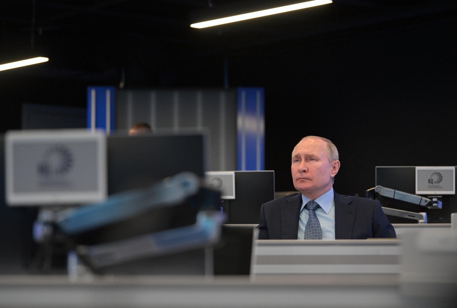 بوتين: روسيا تقوم ببناء أقوى أسطول لكاسحات الجليد في العالم