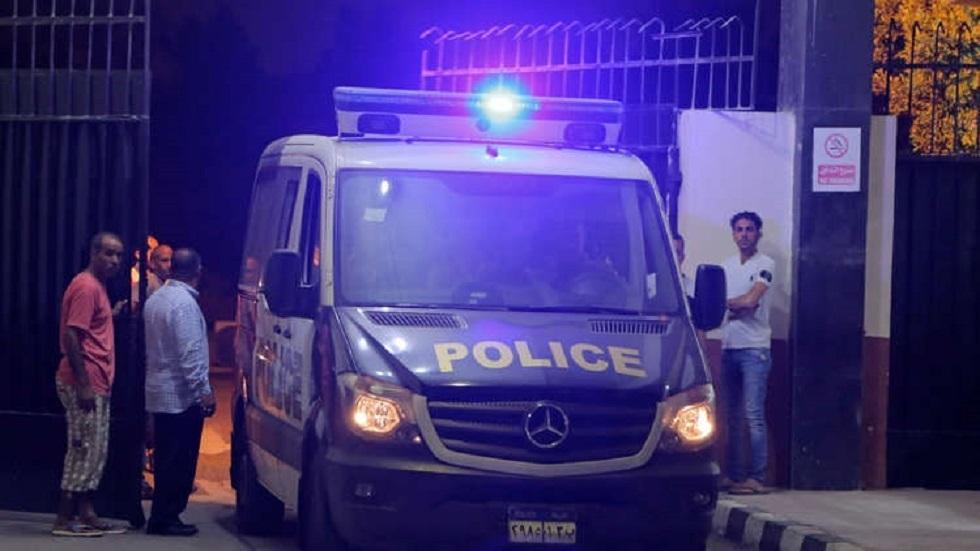 مصر.. شاب يضرم النار في منزل والديه مما أدى لمقتل والده حرقا وإصابة أمه
