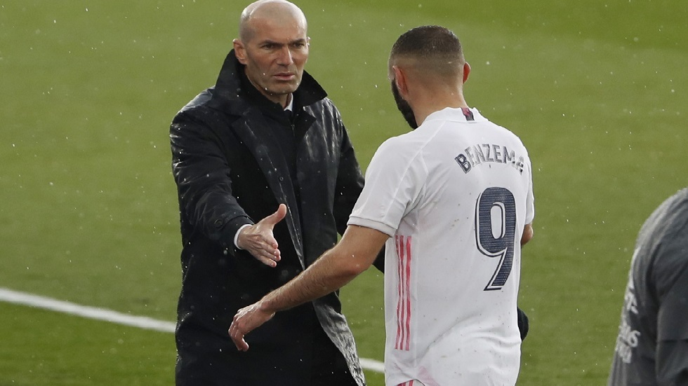 أول تعليق لزيدان بعد إطاحة فريقه ريال مدريد بليفربول من دوري الأبطال