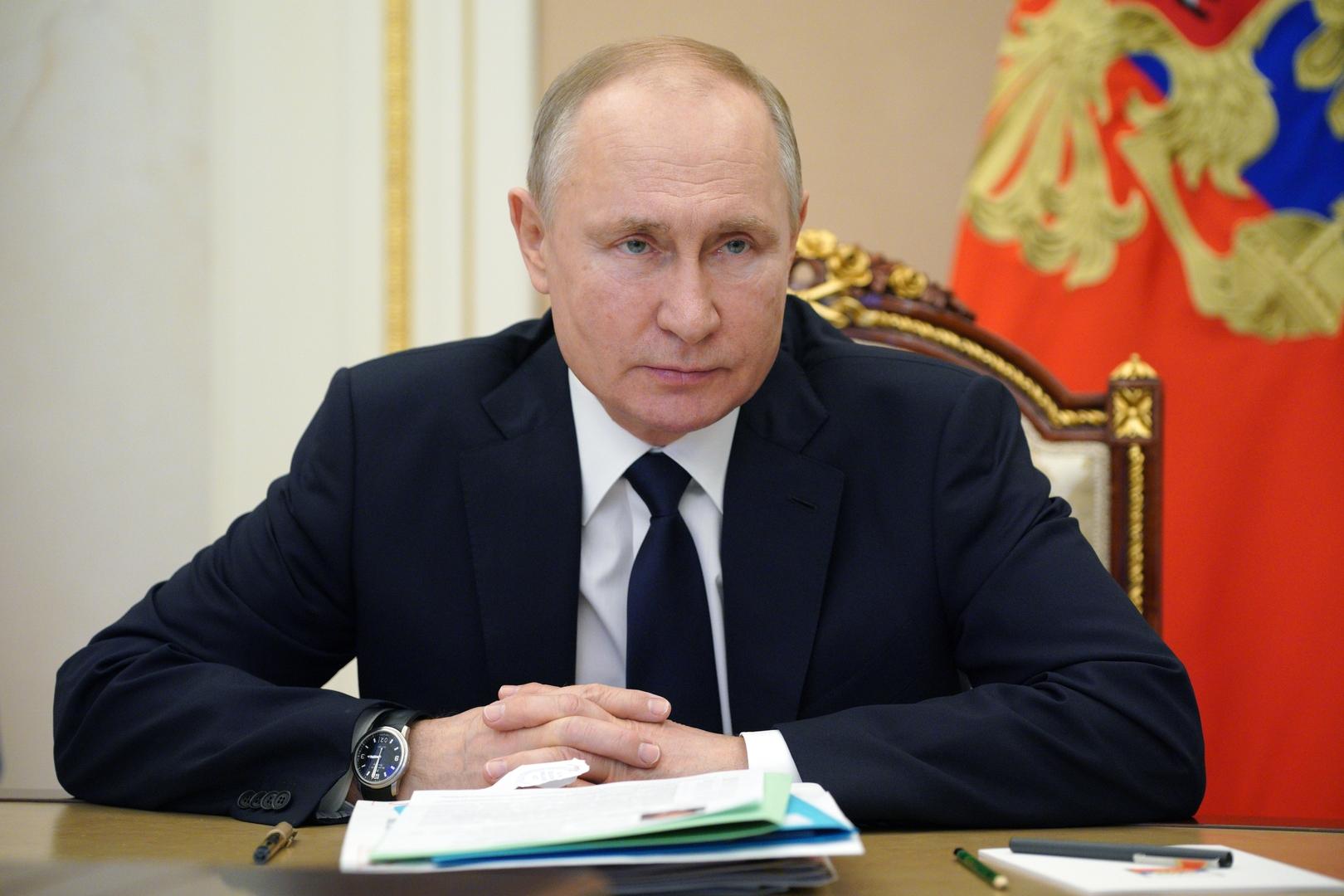 الكرملين: صحة بوتين على خير ما يرام بعد تلقيه الجرعة الثانية من اللقاح المضاد لكورونا