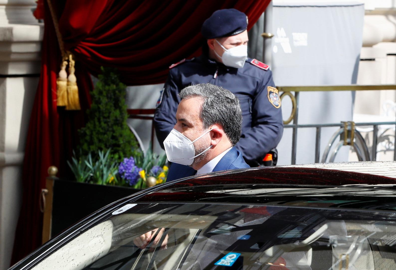 عراقجي : الوفد الإيراني لن يتفاوض مع الأمريكيين في فيينا بشكل مباشر أو غير مباشر