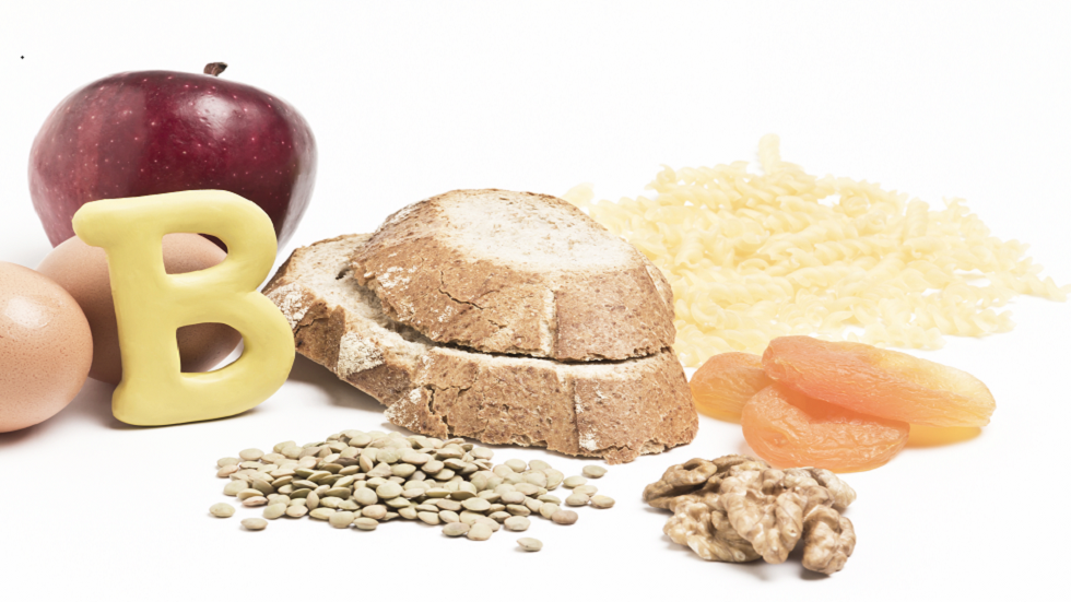 قائمة كاملة من 10 علامات شائعة لنقص فيتامين B12!