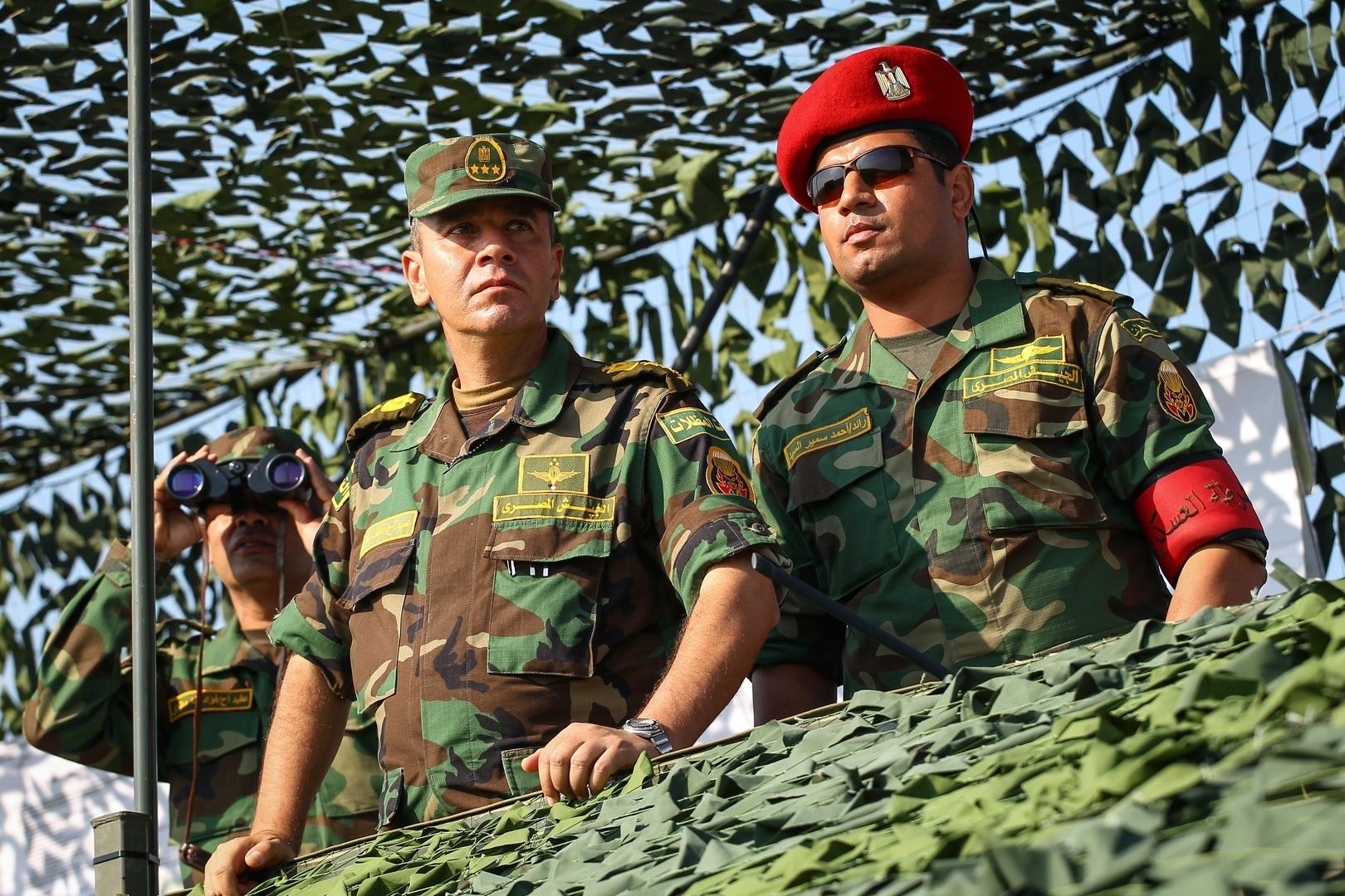 الجيش المصري يبحث استراتيجية مقترحة لـ