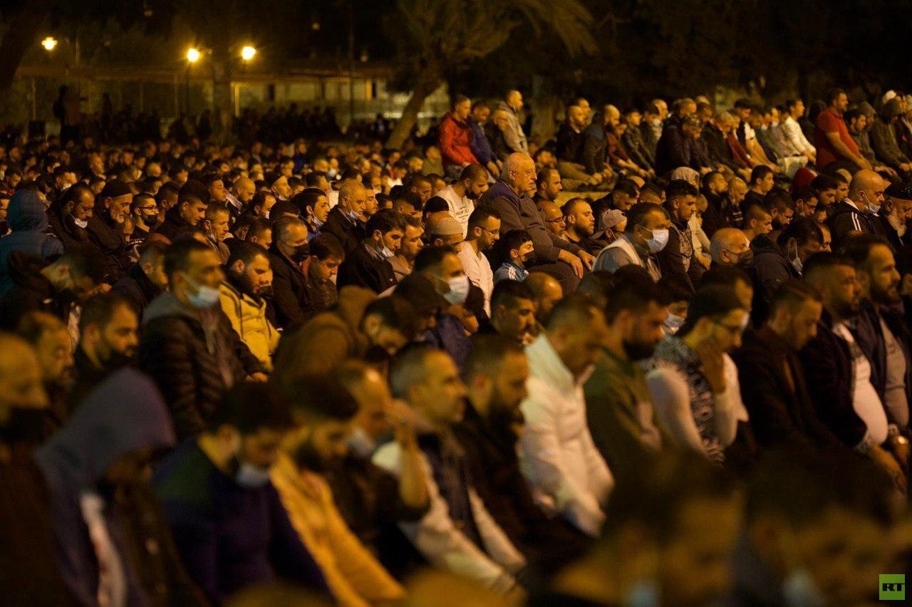 قوات إسرائيلية تقتحم المسجد الأقصى وتعتقل مصلين