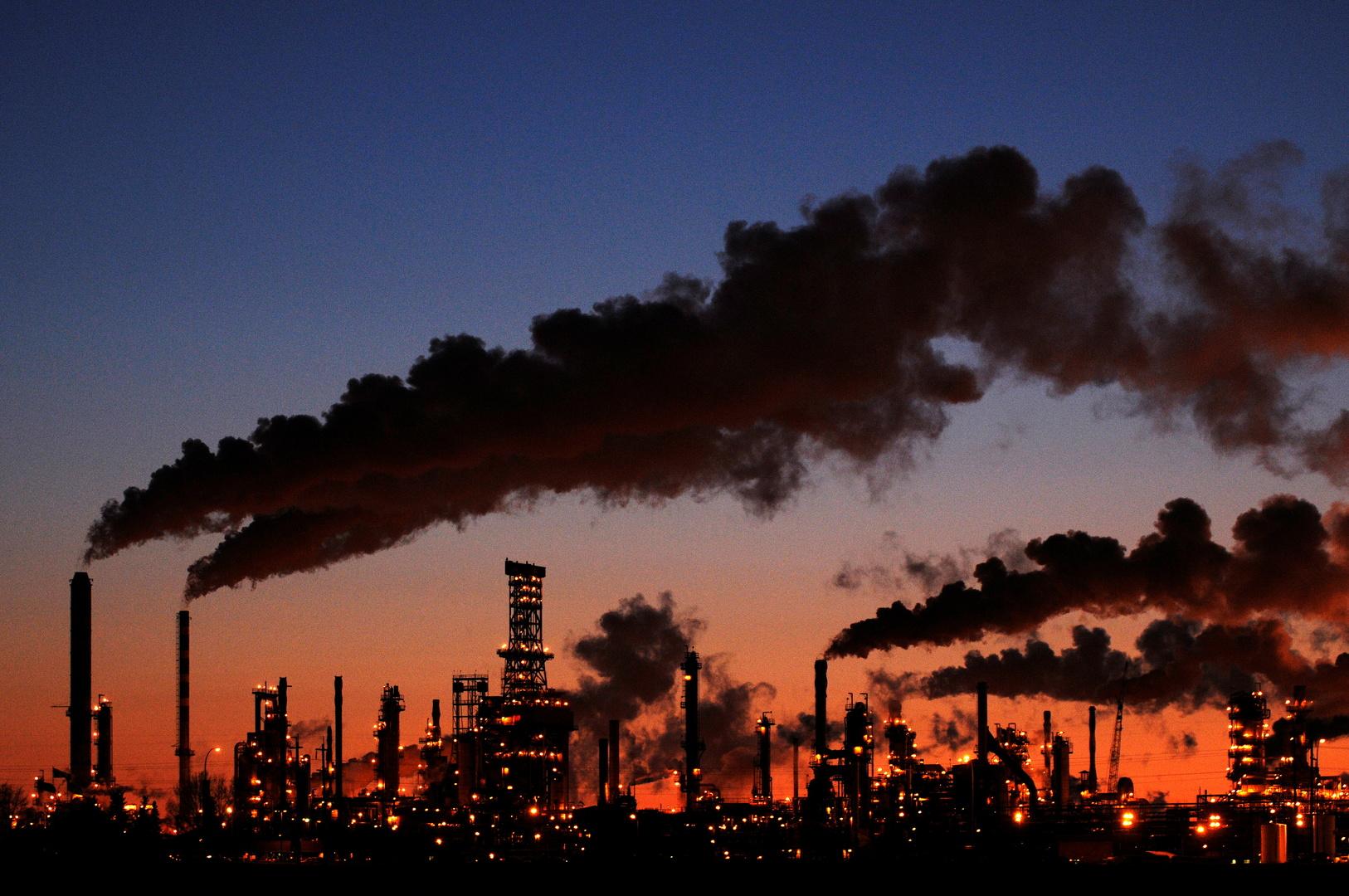 بفضل بيانات قوية من الصين.. النفط يرتفع لقمة 4 أسابيع