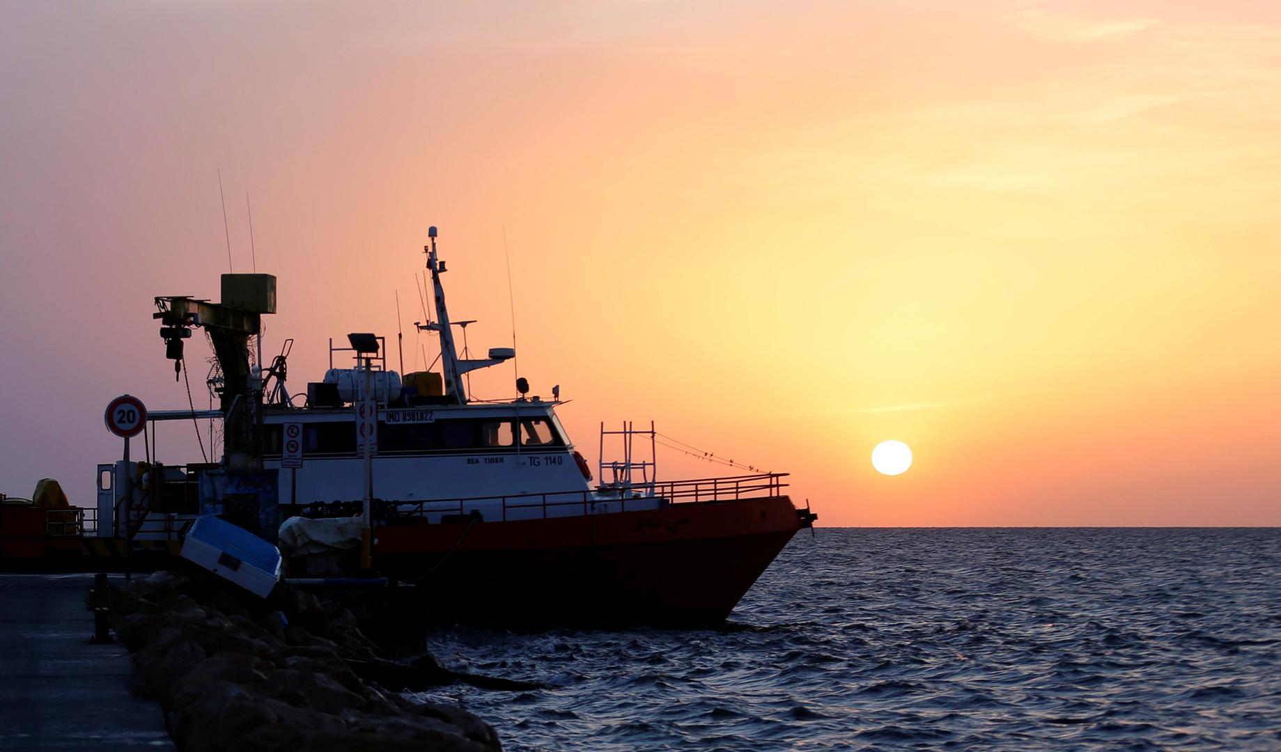 غرق 40 مهاجرا إفريقيا قبالة سواحل تونس